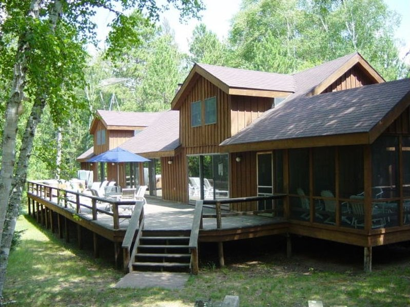 Secluded Lodge on Webb Lake - Private Tennis Court, Hot Tub, holiday rental in Webster