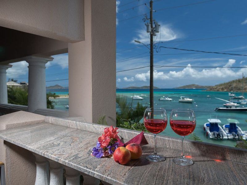 Latitude Adjustment-Spacious Modern 1 Bedrm/1 Ba Condo at Grande Bay, alquiler de vacaciones en Caneel Bay