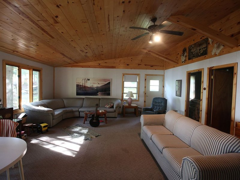 Sittin' on dock on the bay', holiday rental in Pine River