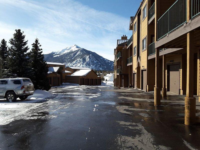 2BR/2BA Condo Fantastic View of Lake Dillon & Mountain Range, alquiler de vacaciones en Frisco