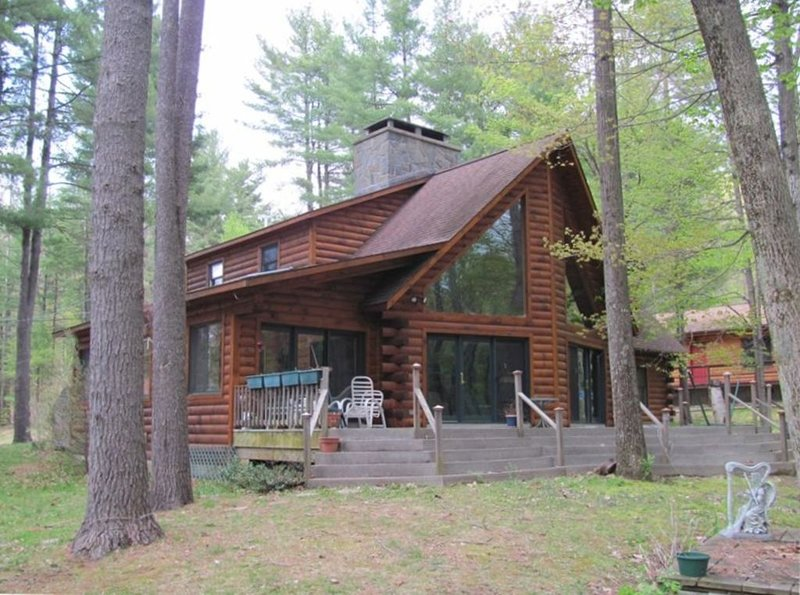 Lake George 2500 sf Log Home/ Americade special, vacation rental in Lake George