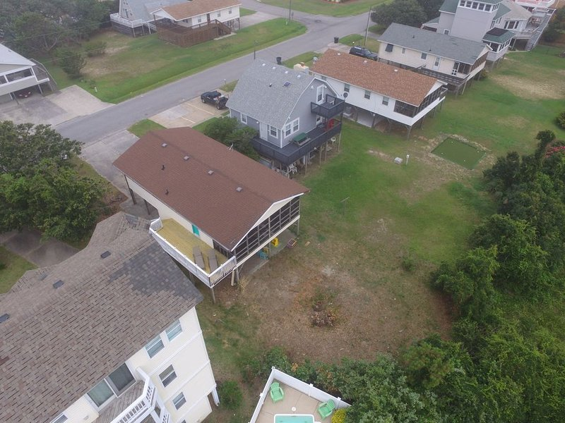 The Getaway is traditional OBX beach box, close to beach, with pool and hot tub, holiday rental in Kill Devil Hills