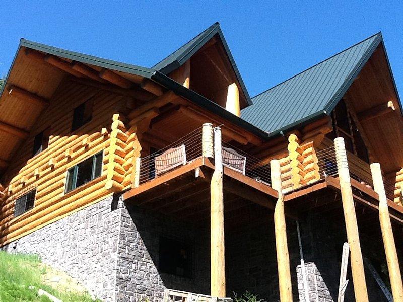 Lake front Lodge on Lake Swift, location de vacances à Ariel