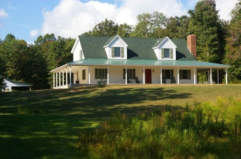 Raystown Lake Area!  House and Barn on 48 Secluded Acres!, holiday rental in Saxton