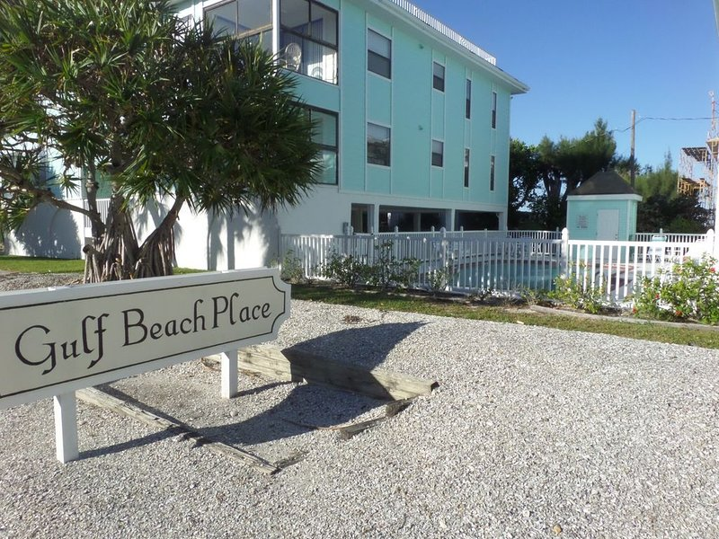 Panoramic rooftop view, view from unit, 1 minute walk to beach, heated pool, holiday rental in Holmes Beach