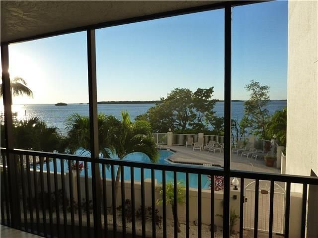 Waterfront 3Bedrooms/3Bathrooms Fully Renovated Condo at  Sanibel Harbour, holiday rental in Sanibel Island