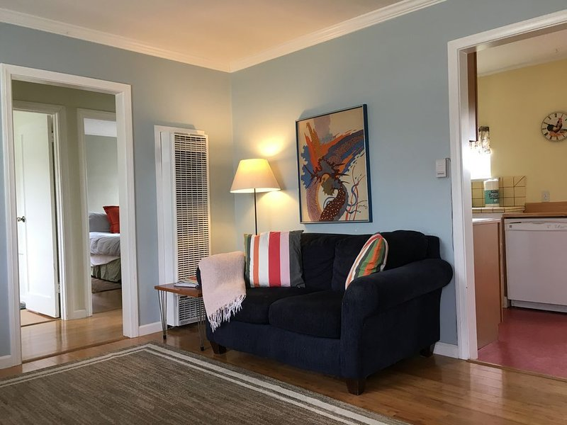 Dorrance Way Cottage By the Sea, vacation rental in Carpinteria