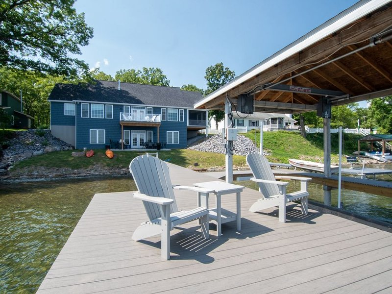New Blue Lake House in the Heart of the Finger Lakes, vacation rental in Romulus