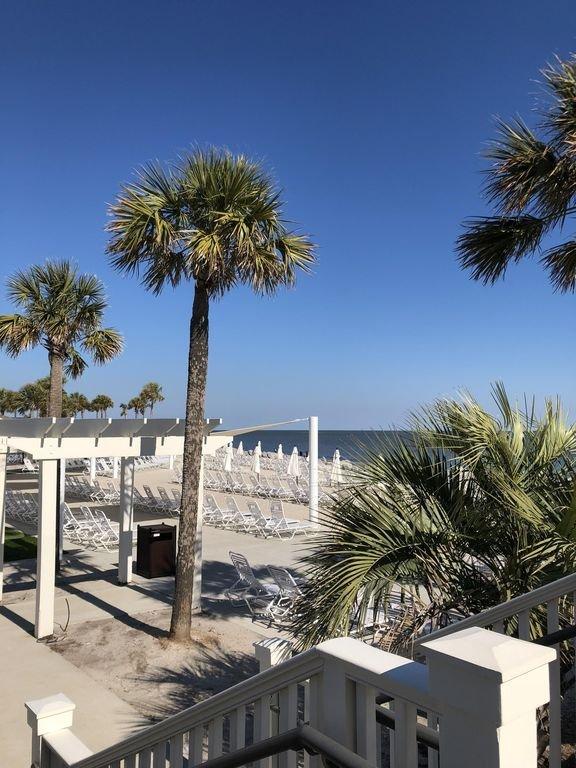 L'accès au club de plage est autorisé à l'achat d'une carte d'agrément