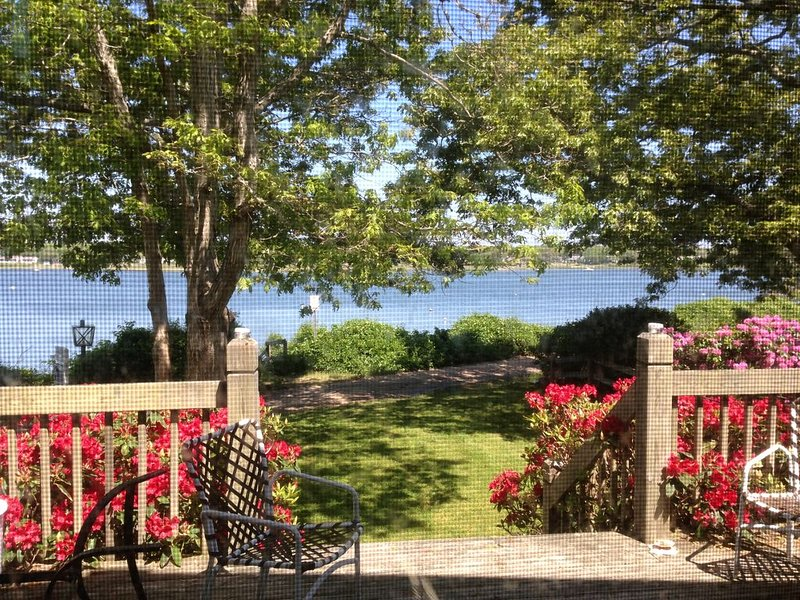 Waterfront Cape Getaway With Sandy Beach Outside Door, holiday rental in Falmouth