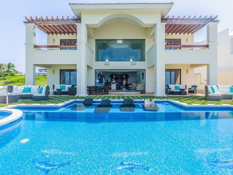 Newest Luxury Home on Isla Mujeres! Oceanfront home with unrestricted views!, holiday rental in Playa Mujeres