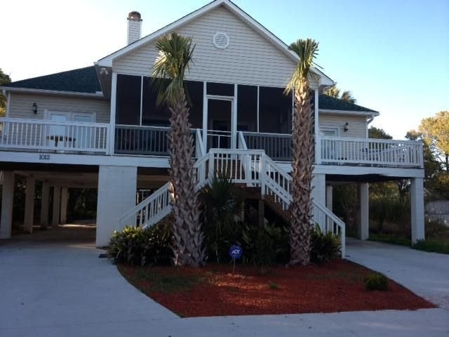 Beautiful Ocean View 3 Bedroom Beach House - Great Location - 3BR/2BA, holiday rental in Folly Beach