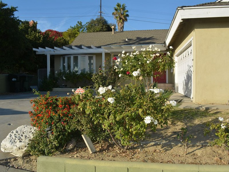 Charming/Private/Centrally Located, 3B/2.5B Home, location de vacances à Monterey Park