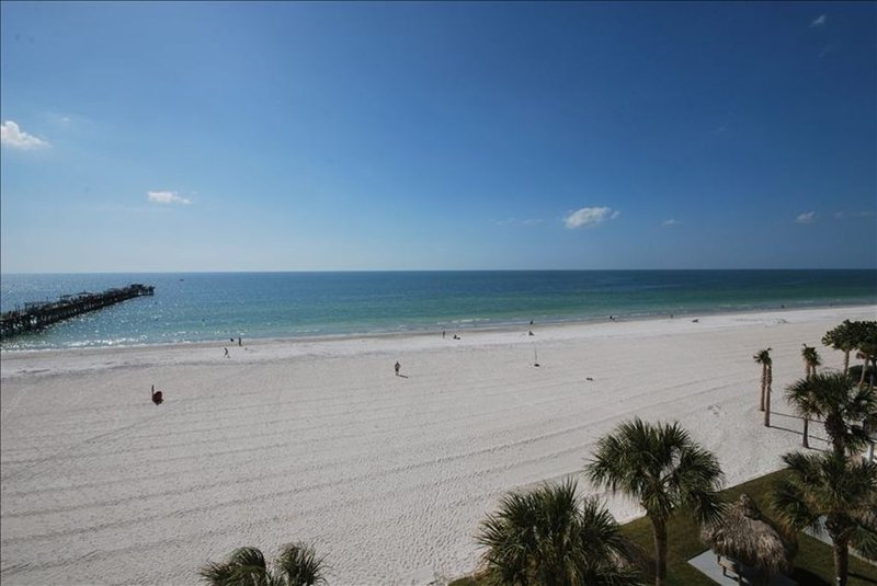 3 Bedroom Beach Front Condo Recently Remodeled!, holiday rental in Redington Shores