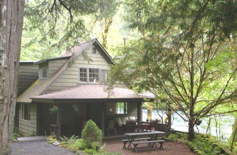 Listen to the River Sing at the Rillerah, alquiler de vacaciones en McKenzie Bridge