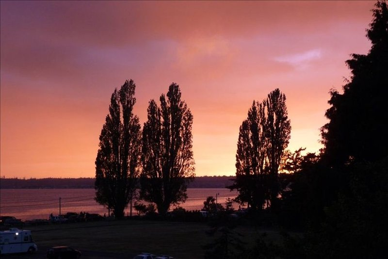 Vacation Rental Home in Birch Bay-with Great Views of the Bay!, casa vacanza a Lynden
