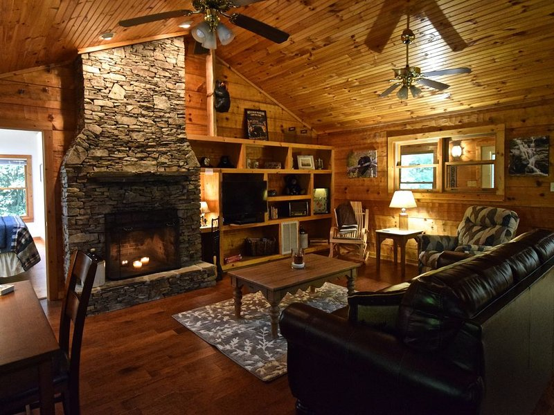Boulder Pass, A Rocky Passage to a Wooded Paradise!, vacation rental in Townsend