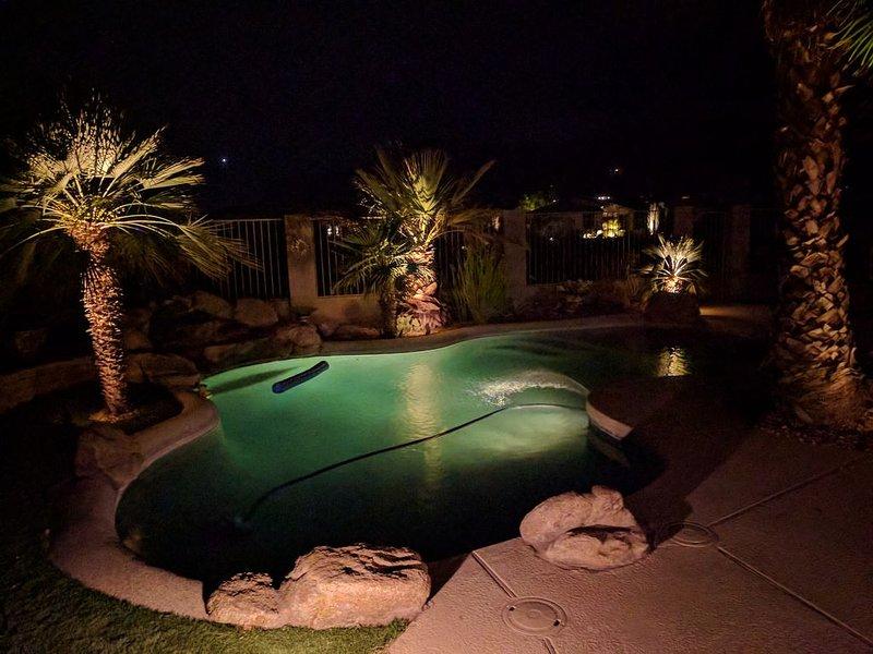 Pool bei Nacht