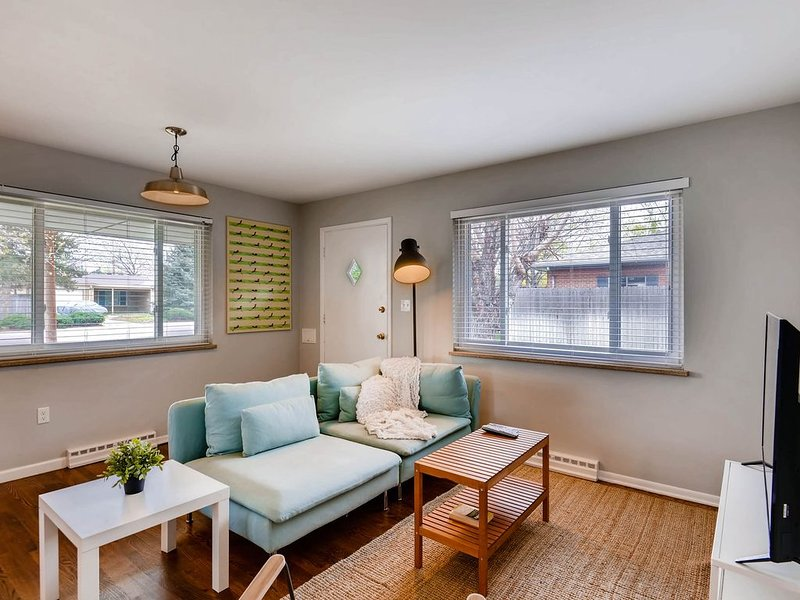 Harlan House  - Remodeled, charming- close to Denver's hippest neighborhoods, holiday rental in Wheat Ridge