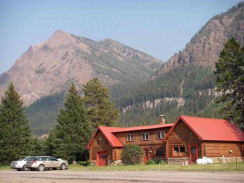 Yellowstone Park - 1/2 Mile to Ne Gate. Cooke City Silver Gate, aluguéis de temporada em Cooke City