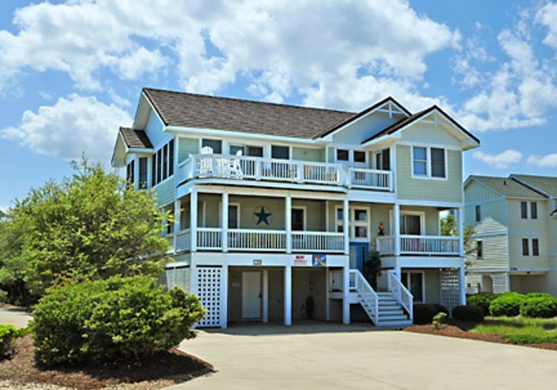 Book ********* Popular 8 Br in Four Seasons w/Pool, near Beach & Duck Village., alquiler de vacaciones en Kitty Hawk