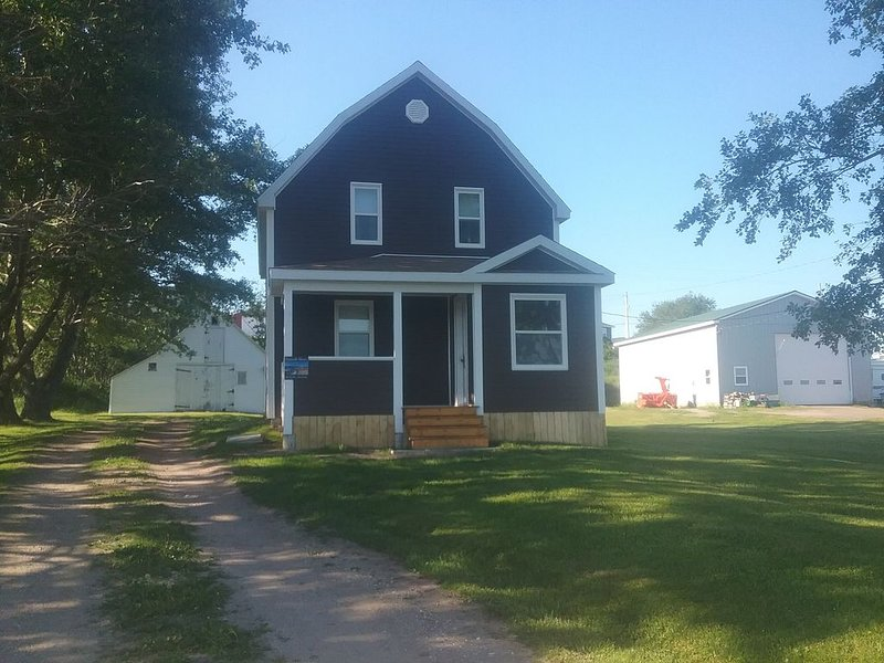 Ocean Side 3 bedroom house on Cape Breton Island, holiday rental in Cape North