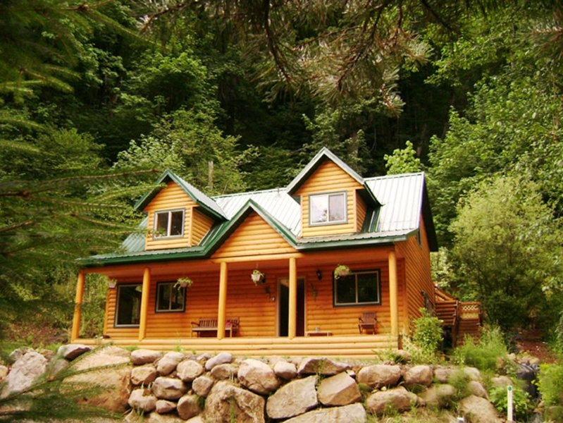 Mt. Hood Hideaway a Mountain Jewel, New,Clean and Best Rates., holiday rental in Rhododendron