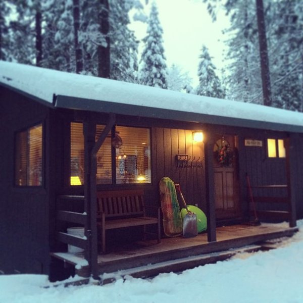Kukahbu Cabin: Comfortably Stylish Cabin in Lakemont Pines, vacation rental in Arnold