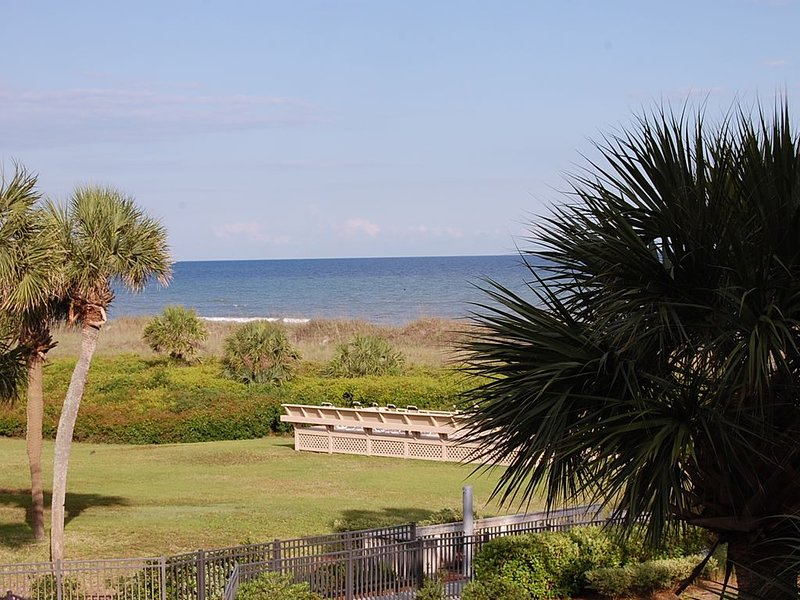 View is Everything Here! Great Rates! Chairs & Umbrellas Included, alquiler de vacaciones en Daufuskie Island