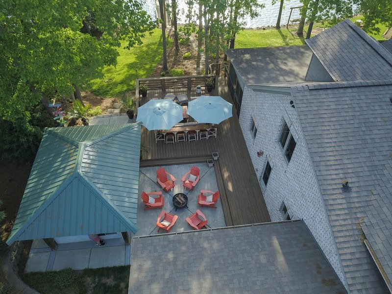 Luxury Lake Front Home in Private Cove- Cul De Sac Atmosphere, holiday rental in Sherrills Ford