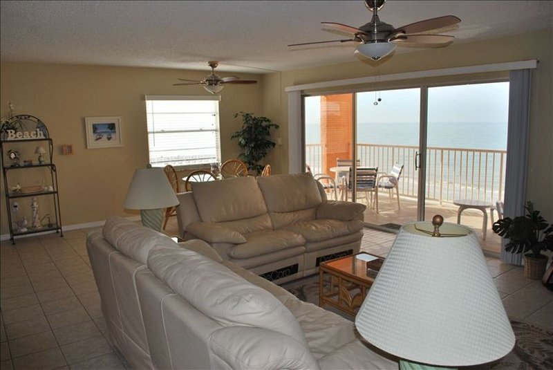 Beach Paradise on the 5th Floor with a Spectacular View, vacation rental in Indian Shores