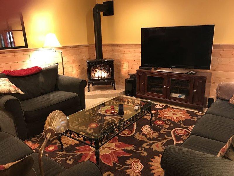 Large, One Bedroom Walk-out Apartment on Lake Superior near Munising & Marquette, alquiler de vacaciones en Au Train