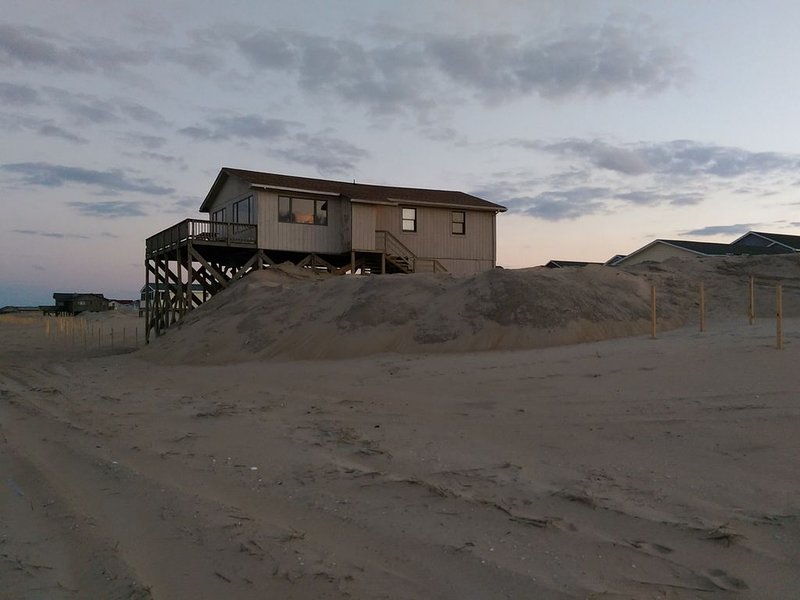 OBX Oceanfront House with Unobstructed Panoramic View, holiday rental in Wanchese