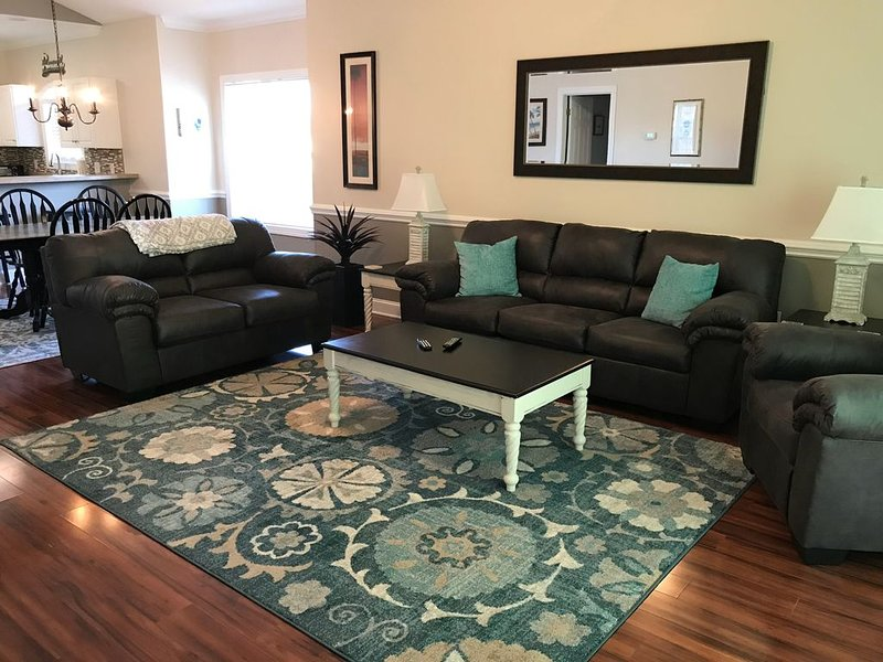 Beautiful 3 Bedroom Condo in Myrtlewood Villas, holiday rental in Myrtle Beach