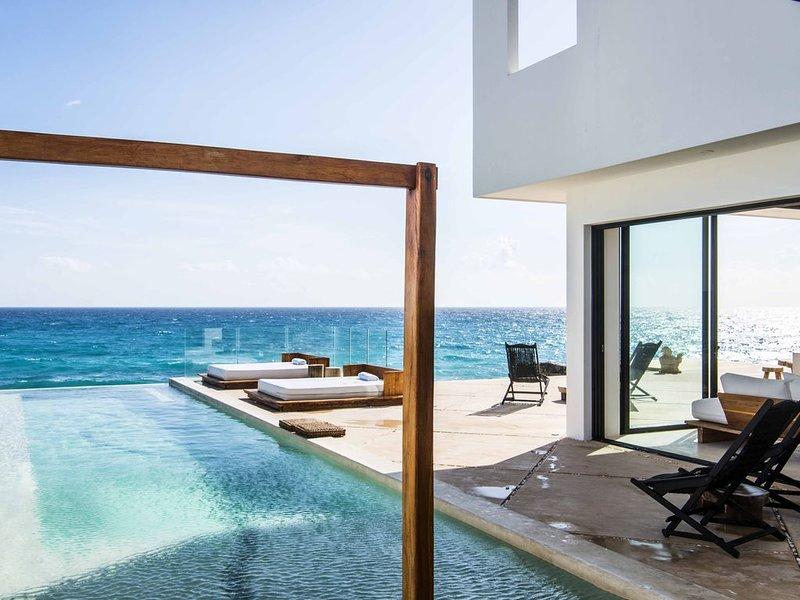 Intoxicating Ocean Views!! 4-6 bedrooms, holiday rental in Playa Mujeres