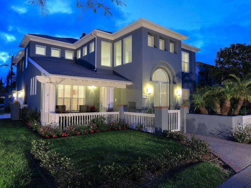 Fantastic Vacation Home Located In The Heart Of Coronado!, location de vacances à Coronado