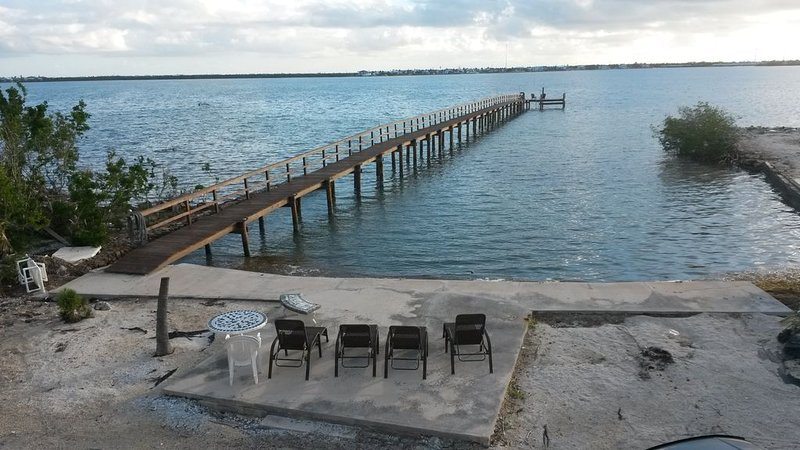 OCEAN FRONT PARADISE/290 ft PRIVATE DOCK/AWESOME VIEWS, holiday rental in Ramrod Key