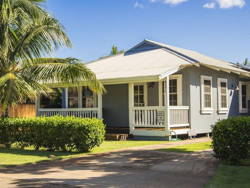 Luxury Restored Plantation Home...A/C...HOT TUB...Walk to BEACH  - TVNCU #1188, location de vacances à Kekaha