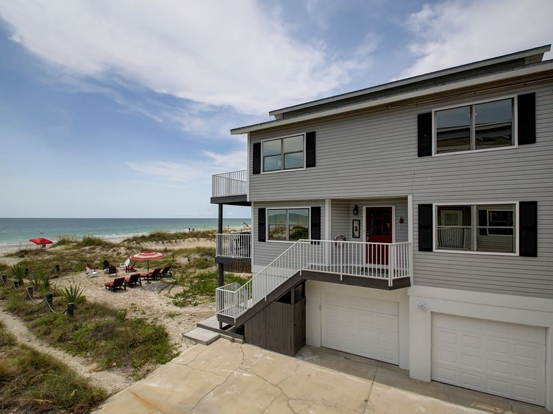 Gulf Front on the Beach - Sun, sand, and water will be your view from every room, vacation rental in Indian Shores