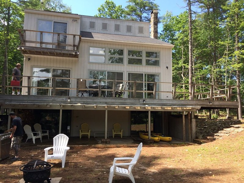 Lake Arrowhead, Lake Front, Open Concept House, North Waterboro, ME, casa vacanza a North Waterboro