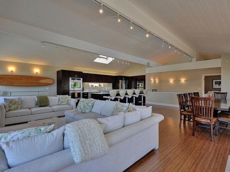 Castle Beach Retreat propose un grand plan d'étage ouvert