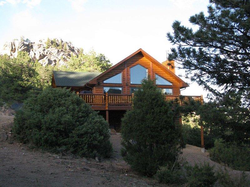 Luxury Home, Breathtaking Views, Hot Tub, Colorado Rocky Mountains, aluguéis de temporada em Estes Park