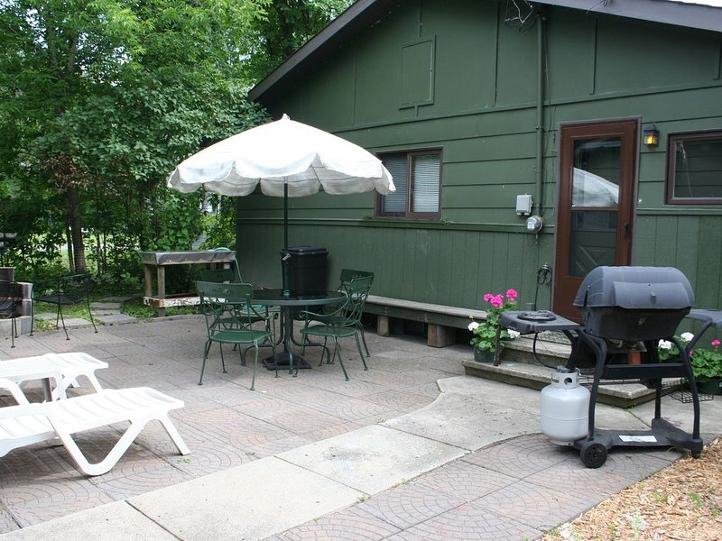 Cozy Cottage near sandy beach,  Rainy Lake, Rainy River and Voyageur's Nat'l Pa, location de vacances à Fort Frances