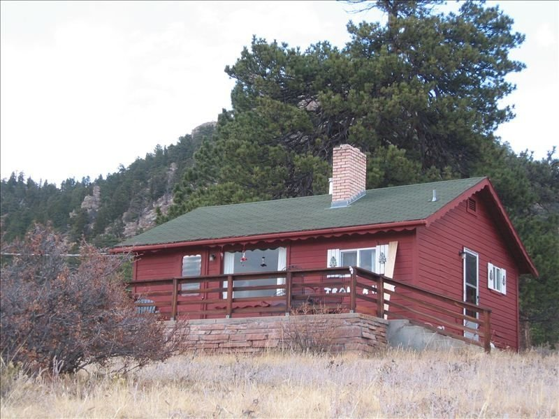 Trail Ridge Cabin – Comfortable and Cozy with Fabulous Views, vacation rental in Estes Park