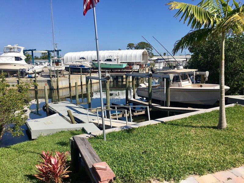 ~ The Water House! Boat Dock Directly in Back Yard! ~, holiday rental in Stuart