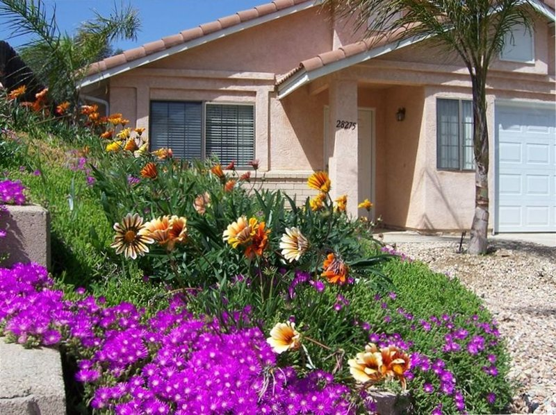 Escape to a Quiet Sunny Retreat (55 & Older)  2 BR Menifee Ca, vacation rental in Lake Elsinore