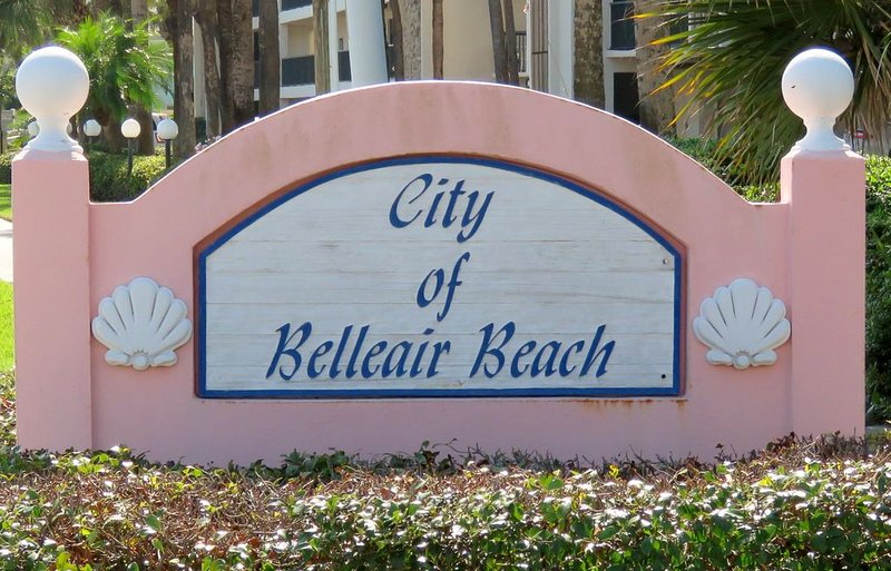 Cozy Affordable Beach Condo, vacation rental in Belleair Beach