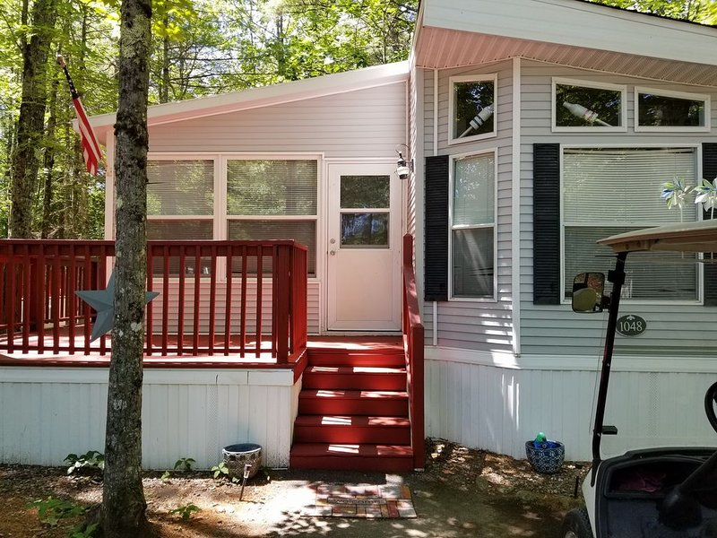 2021 Point Sebago Cottage Rental: Central AC  2 bed/1.5 bath, alquiler de vacaciones en Casco