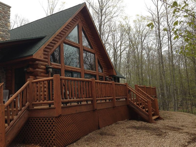 The Log Home at Fish Creek   In the Heart of Door County, location de vacances à Door County