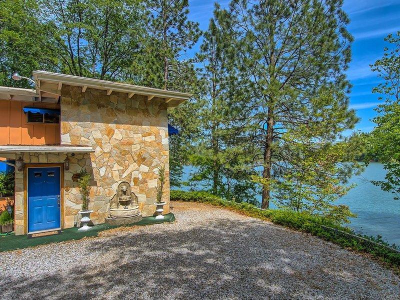 AMAZING SHASTA LAKE PROPERTY    LAKEHEAD, CALIFORNIA, alquiler de vacaciones en Trinity Center